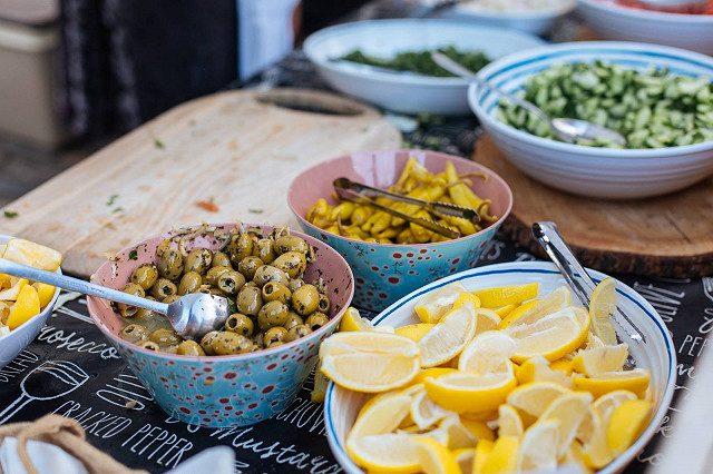 Street Food Friday - Garlic & Olive - gourmet Greek